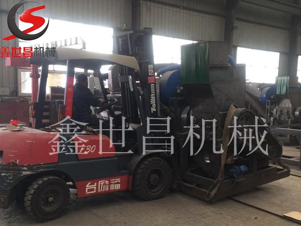 云nan玉溪600型干式铜米粉碎机发货